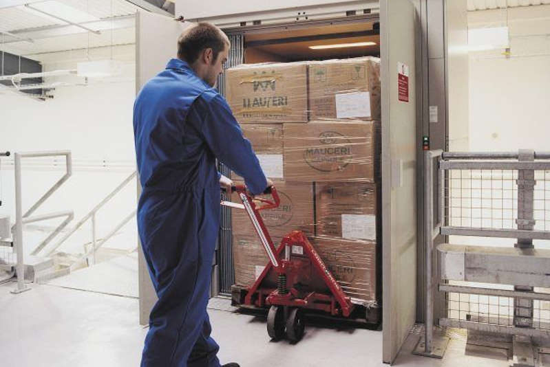 The Benefits Of Installation A Freight Lift In Your Warehouse